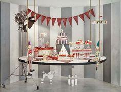 Una fiesta temática de circo en rojo y gris