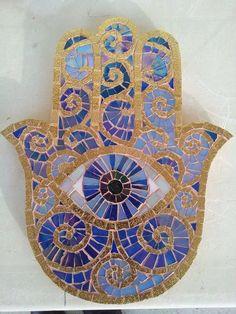 Resultado de imagem para hamsa forms for mosaics Mosaic Crafts, Mosaic Art, Mosaic Glass, Glass Art, Hamsa Design, Mosaic Designs, Mosaic Patterns, Hobbies And Crafts, Arts And Crafts