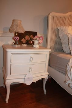 SHABBY CHIC® Sovereign Bedside Table