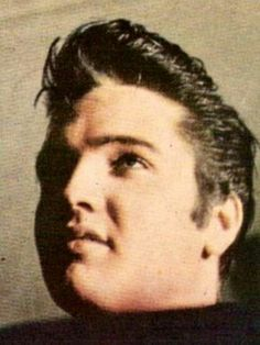 RARE photo of Elvis in Memphis, TN - second half of March 1957 Rare Pictures, Rare Photos, The Golden Boy, Young Elvis, Beautiful Film, Elvis Presley Photos, Two Movies, Thing 1, Graceland