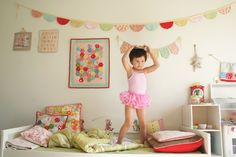 Girly bedroom, garland, patchwork everywhere, quilt, miniquilts