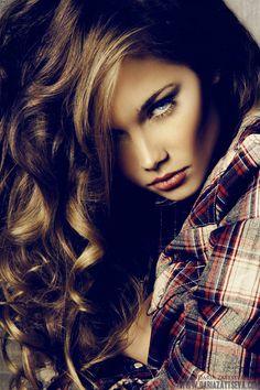 Dariaz Aytseva -- love her hair & makeup <3