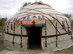 Exterior of a beautiful earthy yurt • boho • bohemian • hippie • hippy home • gypsy • mystic earth home