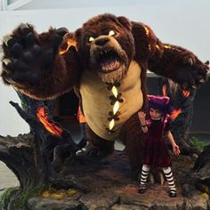 Annie and her bear Tibbers. - Buscar con Google