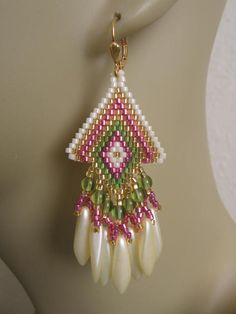 Seed Bead Earrings Pink/Green by pattimacs on Etsy