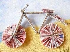 cadeaux raliser soi mme Fahrrad als Geldgeschenk- Mehr Fahrrad als Geldgeschenk- Mehr Diy And Crafts, Crafts For Kids, Paper Crafts, Diy Presents, Diy Gifts, Don D'argent, Creative Money Gifts, Folding Money, Diy Birthday