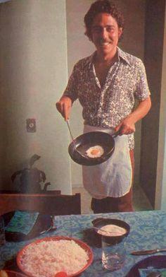 Chico Buarque fritando ovo <3