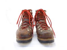 Vintage Asolo - Well used and Still reliable Alpine Style, Vintage Hipster, Cool Style, My Style, Red Lace, Hiking Boots, Boho Fashion, Take That, Contentment