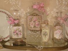 Shabby Chic French Vintage Metal Plaque Royal Dragonfly & Pink Roses Sign - Home Style Corner Shabby Chic Crafts, Shabby Chic Cottage, Vintage Shabby Chic, Shabby Chic Style, Shabby Chic Decor, Altered Bottles, Vintage Bottles, Bottles And Jars, Vintage Perfume