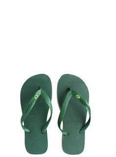 A Havaianas icon, the Brasil features a flag embellishment and tonal Havaianas logo on a matte strap for style.