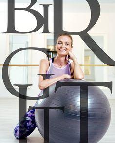 """(@pilateszeit.clubs) auf Instagram: """"WE LOVE BIRGIT! . .  Unsere liebe Seele des Hauses! Unsere Birgit ist eine unserer Pilates Spezies!…"""" #weekendworkout #saturdays #barresohard #barrebabes #barreadict #barreworkout #barrefitness #barrelover #balletfitness #beauties #strongwomen #fitgirl #longandlean #bestclients #strong #workout #fitfam #greatjob #düsseldorf #pilateszeit #theoriginal #professional #barrestudiodüsseldorf #pilatesstudiodüsseldorf #fitnessmotivation #düsseldorfgirls…"""