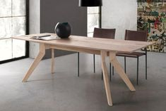 Delta dining table | Dining tables