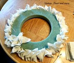 Vintage, Paint and more... Burlap Wreath
