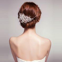 【楽天市場】髪飾り ティアラ 透明なクリスタル キラキラ 豪華なデザイン HP15054 [2015新作]:ランディブライダル Hair Comb Wedding, Headpiece Wedding, Wedding Hairstyles, Ivory, Pearls, Hair Combs, Cinderella, Accessories, Fashion