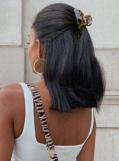 Clip Hairstyles, Cute Hairstyles For Medium Hair, Pretty Hairstyles, Medium Hair Styles, Curly Hair Styles, Back To School Hairstyles, Cute Hair Styles Easy, Cute Quick Hairstyles, Medium Hair Do