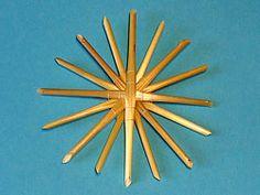 straw stars on pinterest straws stars and basteln. Black Bedroom Furniture Sets. Home Design Ideas