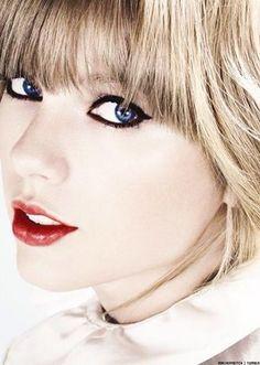 Taylor Swift OMG she's soooooo adorable