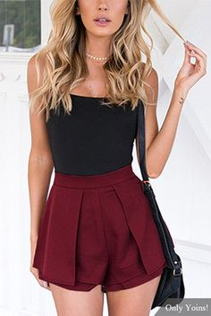 High-rise Overlay Pleated Shorts in Burgundy US$9.59