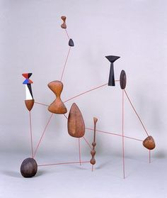 "sculpture US : Alexander Calder, ""Vertical Constellation with Bomb"", 1943"