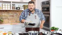 Chef Rodney Bowers teaches us two great shortcut meals and a viewer challenges him to make a shortcut of their family favourite! Fast Recipes, Chef Recipes, Marilyn Denis Show Recipes, Spinach And Ricotta Lasagna, Cowboy Stew, Weekday Meals, Pot Pie, Quick Meals, Meatloaf