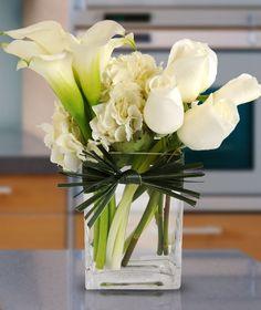 50 Ideas Wedding Bouquets Calla Lily Flower Arrangements For 2019 Flower Arrangement Designs, Beautiful Flower Arrangements, Wedding Flower Arrangements, Wedding Bouquets, Beautiful Flowers, Wedding Flowers, Simple Flowers, Colorful Flowers, White Floral Arrangements