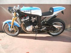 """Racing Cafè: Suzuki GSX-R 1100 """"Cafè Racer Barry Sheene 72"""" by KMP"""