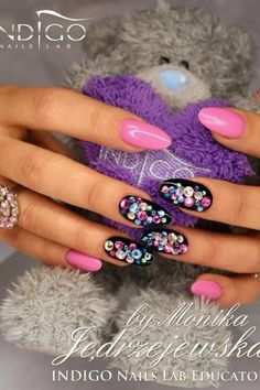 Nails oval pink and black..... love this design I want to try it!!