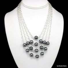 Women's Statement Necklace with Pyramid of Pearls Pearl