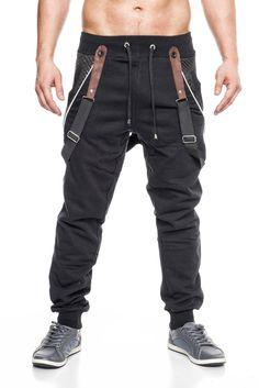 Coole Herren #Jogginghose vom Label #Jeansnet in der klassischen Farbe schwarz. Abnehmbare Leder-Hosenträger.