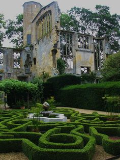 the cotswolds - ruins of sudeley castle