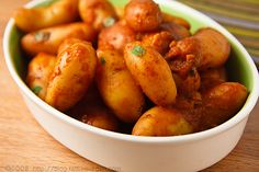 These tiny potatoes cook in their own sauce. They're like healthy French fries and ketchup all in one (but with no frying, no sugar, and no processed foods). - Fingerling Potatoes Braised with Smoked Paprika. #vegan