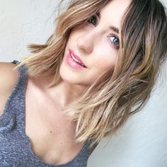 MY Hairdresser Styles My Hair: HOW TO