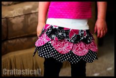 Toddler Sized Petal Skirt Free Pattern and Tutorial Sewing For Kids, Baby Sewing, Sewing Clothes, Diy Clothes, Scalloped Skirt, Sewing Tutorials, Sewing Projects, Sewing Ideas, Free Tutorials