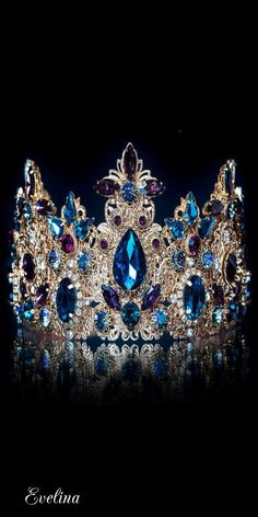 Deep Blue Aquamarine and Diamond Tiara Royal Crowns, Royal Tiaras, Crown Royal, Tiaras And Crowns, Princess Crowns, Pageant Crowns, Princess Diana, Queen Crown, Royal Jewelry