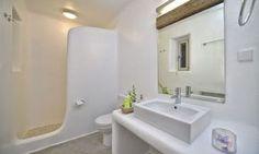 Nice bathroom of the luxury Villa Elise I in Mykonos Greece Greece House, Tadelakt, Master Room, Contemporary Bathrooms, Luxurious Bedrooms, Luxury Villa, Amazing Bathrooms, Ibiza, Home Projects