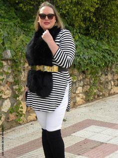 Look OVER KNEE BOOTS LOS LOOKS DE MI ARMARIO. #loslooksdemiarmario #winter #primark #outfitcurvy #invierno #look #lookcasual #lookschic #tallagrande #curvy #plussize #curve #fashion #blogger #madrid #bloggercurvy #personalshopper #curvygirl #lookinvierno #lady #chic #looklady #lookblancoynegro #whiteandblack  #zara #botasmosqueteras #look #outfit #lookbotasaltas #furry #overkneeboots #botasnegras #camisetarayas#jeanblanco@jean #violetabymango @violetabymango #estolapiel #workinggirl