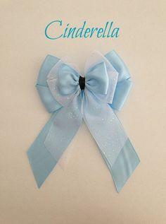Disney inspired Cinderella princess hair bow by BellaRayneDesigns Disney Princess Hairstyles, Princess Hair Bows, Ribbon Crafts, Ribbon Bows, Ribbons, Broches Disney, Softball Hair Braids, Side Braid Wedding, Disney Hair Bows