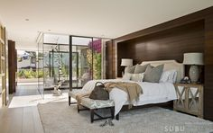 The Manhattan Beach Residence in California by SUBU Design Architecture is a contemporary remodel addition to a Santa Fe style home. Master Suite, Master Bedroom, Bedroom Colors, Bedroom Decor, Bedroom Ideas, Contemporary Beach House, Luxury Living, Santa Fe, Manhattan