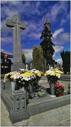 michael collins' grave Michael Collins, Love Ireland, Ireland Travel, Dublin, Emerald Isle Ireland, Easter Rising, Erin Go Bragh, Irish Culture, Irish Roots