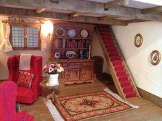 A Handmade Miniature Mouse Tree House #dollhouse #treehouse