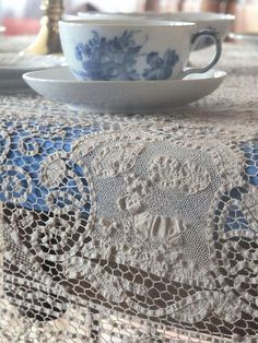 Royal Copenhagen Blue Flowers cup - lace cloth over the blue tablecloth - (color inspiration) Blue And White China, Love Blue, Dresser La Table, Somebunny Loves You, Country Blue, Country Style, Country Living, French Country, White Cottage