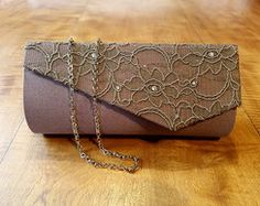 Diy Purse, Clutch Purse, Lace Bag, Clutch Pattern, Evening Bags, Embroidery Stitches, Diy Jewelry, Purses And Bags, Shoulder Bag
