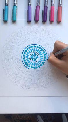Doodle Art Drawing, Mandala Drawing, Cool Art Drawings, Pencil Art Drawings, Mandala Art Lesson, Mandala Artwork, Watercolor Mandala, Doodle Art Designs, Diy Canvas Art