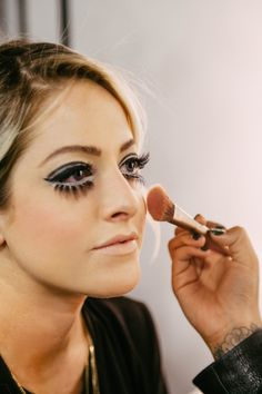 The Lazy Girls' Guide to Halloween Makeup - 60s It Girl