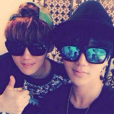 Luhan's Instagram update with Yesung Suju