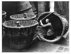 Oil-cake basket makers, Cardiff, 1938