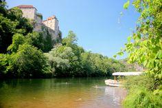 Depuis des millénaires, l'Hérault et le Gard ont canalisé l'eau des vertes montagnes du Massif Central vers les plaines chaudes et sèches. Le Languedoc offre de merveilleuses cavernes, des gorges et des sources, ainsi qu'une magnifique architecture, du massif Pont du Gard d'époque romaine à la beauté médiévale de Guilhem-le-Désert.  J'ai d'abord vu le [...]