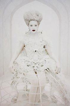 #Beyonce in #Chromat's custom coronation hoop skirt for the Mrs. Carter Tour.