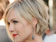 "10 Hairstyles That Will ""Knock"" 10 Years Off Your Age"