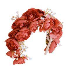 Blumenkränze bei Dirndl Liebe ab 39,90€  erhältich bei Dirndl Liebe  Brienner Str. 54 80333 München www.dirndl-liebe.de  #dirndlliebe #blumenkranz #haarkranz